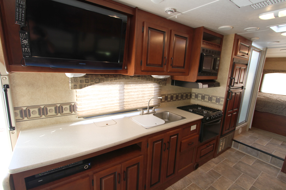 Louisiana RV Rental - Kitchen