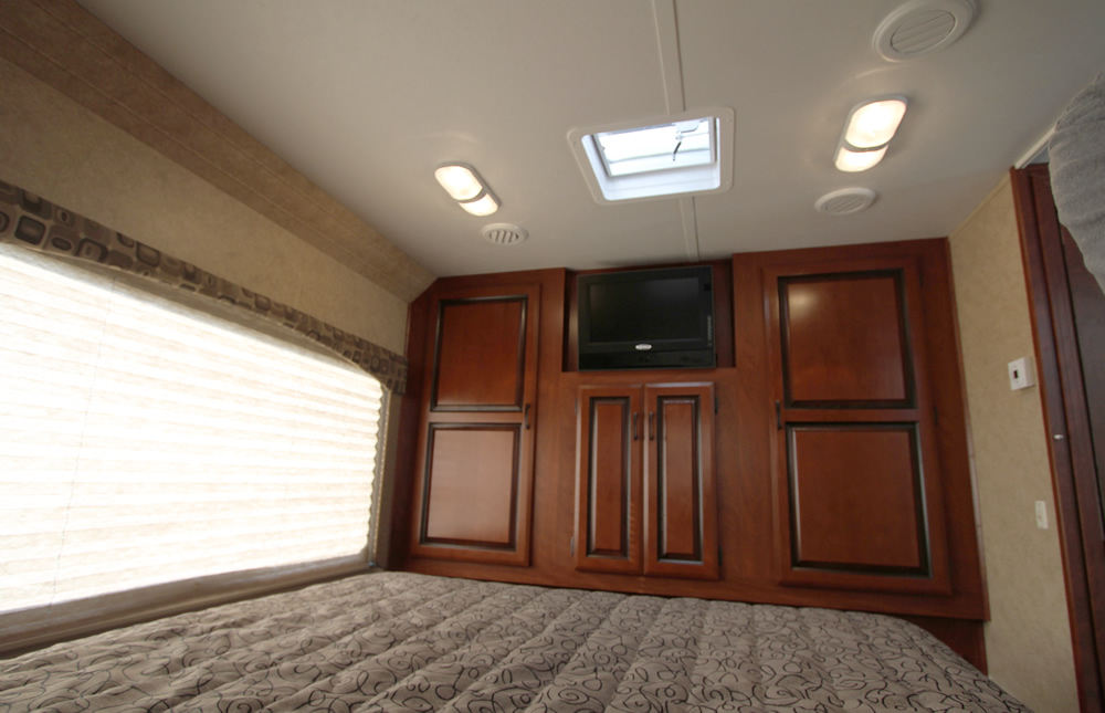 Louisiana RV Rental - Master Bedroom
